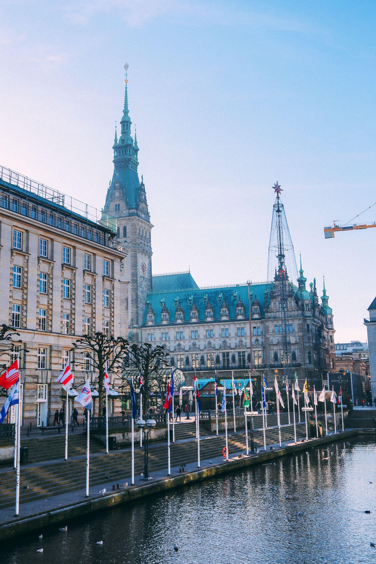 The Sauciest Christmas Market In Hamburg, Germany… (1)