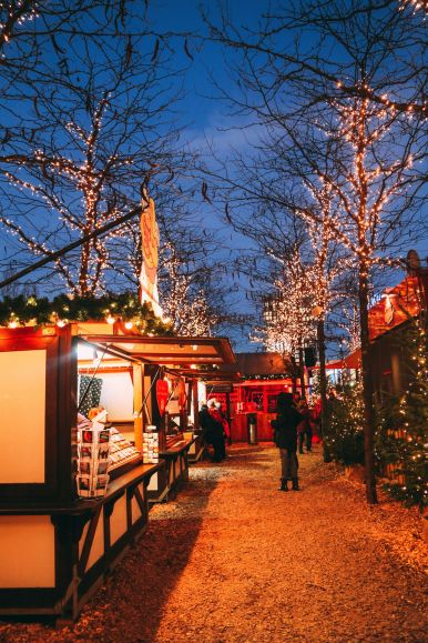 The Sauciest Christmas Market In Hamburg, Germany… (42)