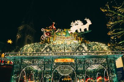 Christmas Market Fun In Hamburg, Germany… (3)