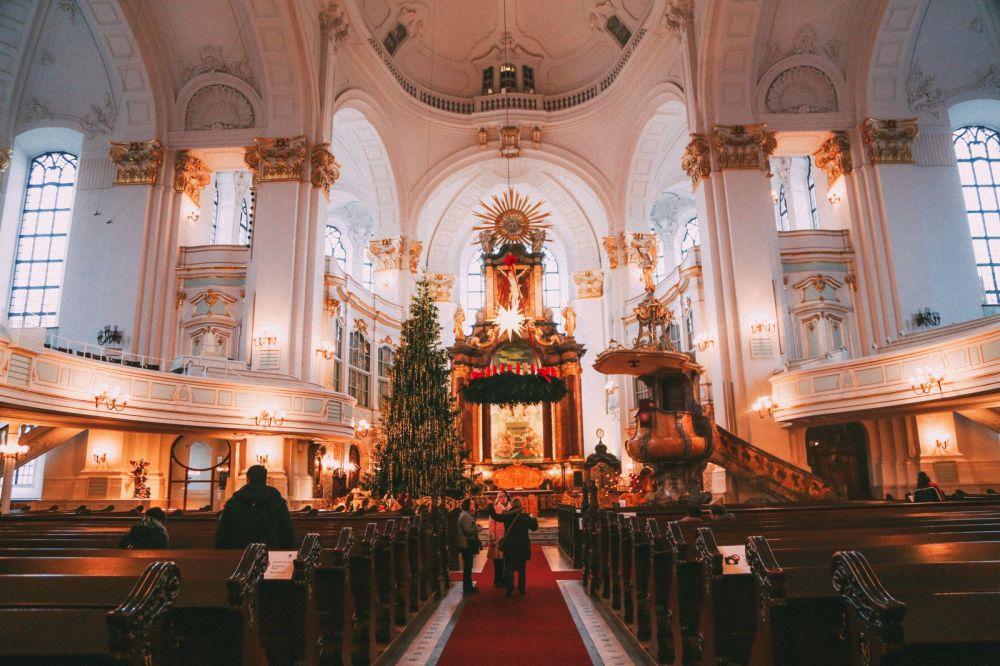 Christmas Market Fun In Hamburg, Germany… (36)