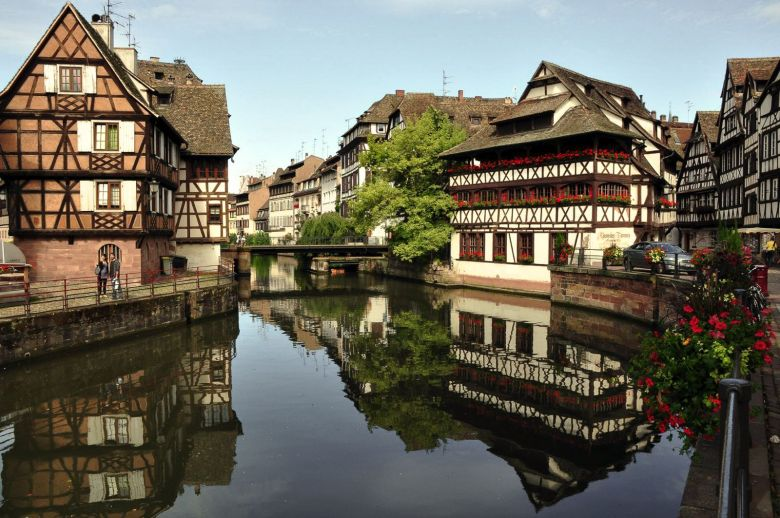 12 Stunning Places You Must Visit On A Road Trip In France (2)