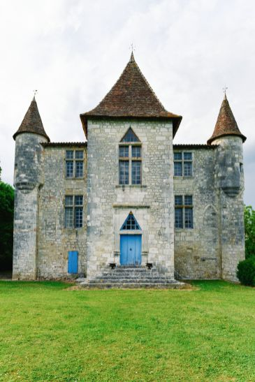 Beautiful French Chateaus And Michelin Star Dining In The Dordogne Valley (16)