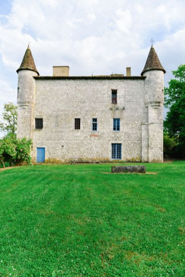 Beautiful French Chateaus And Michelin Star Dining In The Dordogne Valley (21)