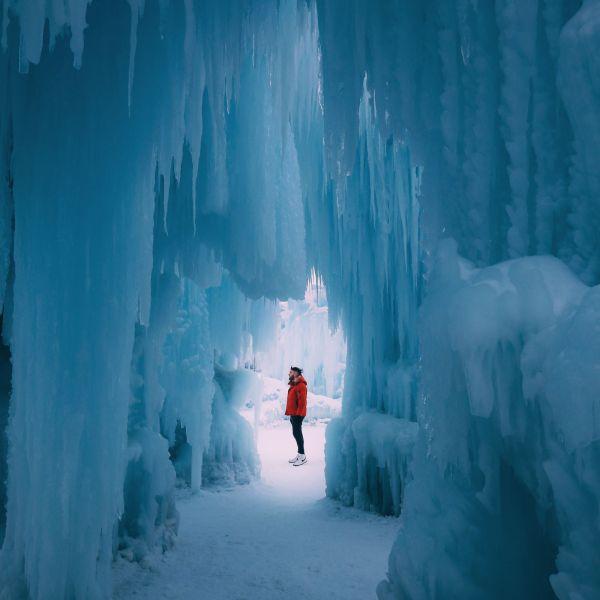 Edmonton City In Alberta Canada - Ice Castles And Travel Photos (8)