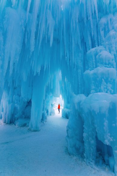 Fat Biking Across The Frozen River Valley To The Ice Castles Of Edmonton, Canada (44)