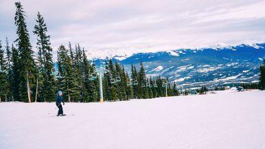 Where To Go Skiing In Jasper, Canada? Marmot Basin! (8)