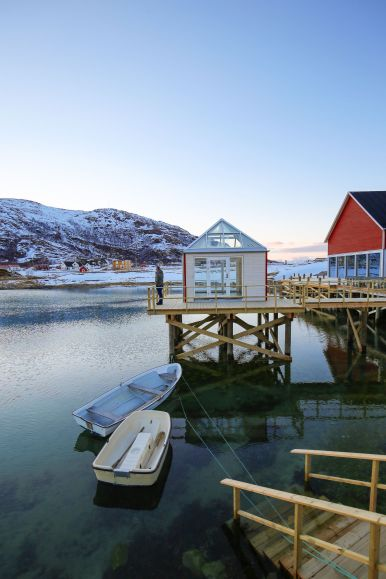 Visiting The Artic Circle in Tromso and Sommaroy in Norway, Europe. Northern Lights, Snow Mountains, Seaside (25) (15)