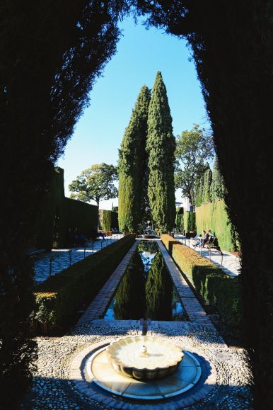 The Absolutely Beautiful Generalife Palace… In Granada, Spain (4)
