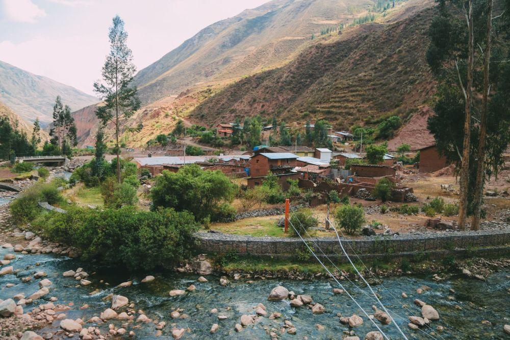The Journey Up To Machu Picchu Village - Aguas Calientes, Peru (16)