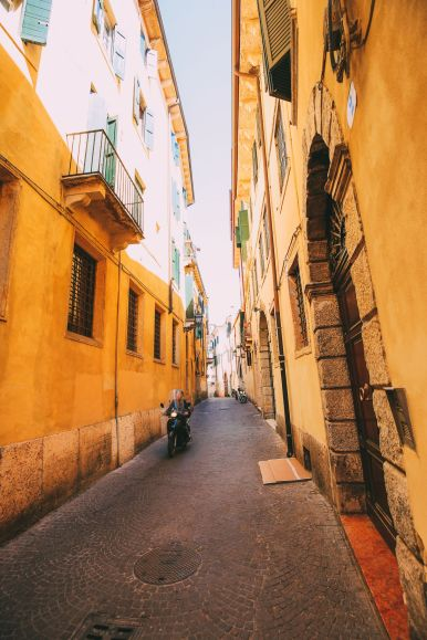 Arriving Into Fair Verona – The Italian Home Of Romeo And Juliet (11)