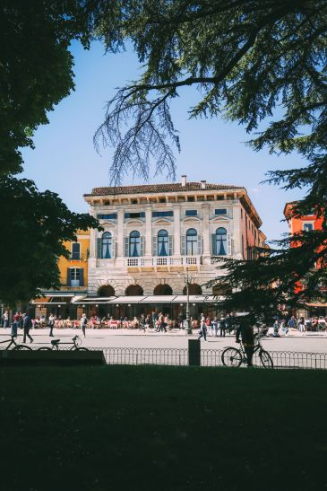 Arriving Into Fair Verona – The Italian Home Of Romeo And Juliet (20)