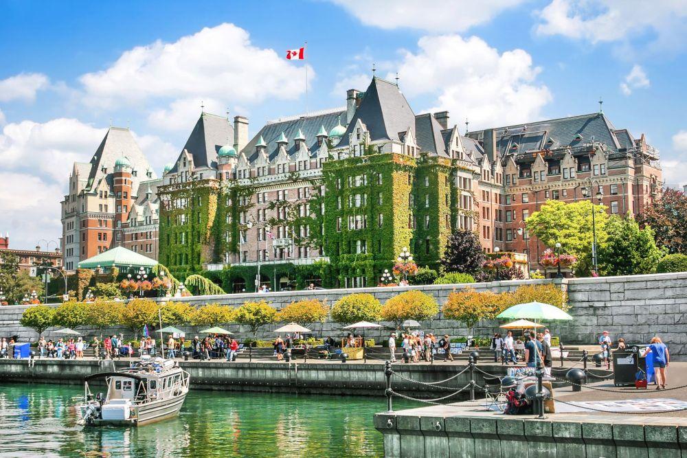 12 Beautiful Places To Visit in British Columbia, Canada (14)