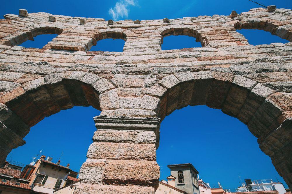 Piazza Bra And Arena di Verona... Italy (8)