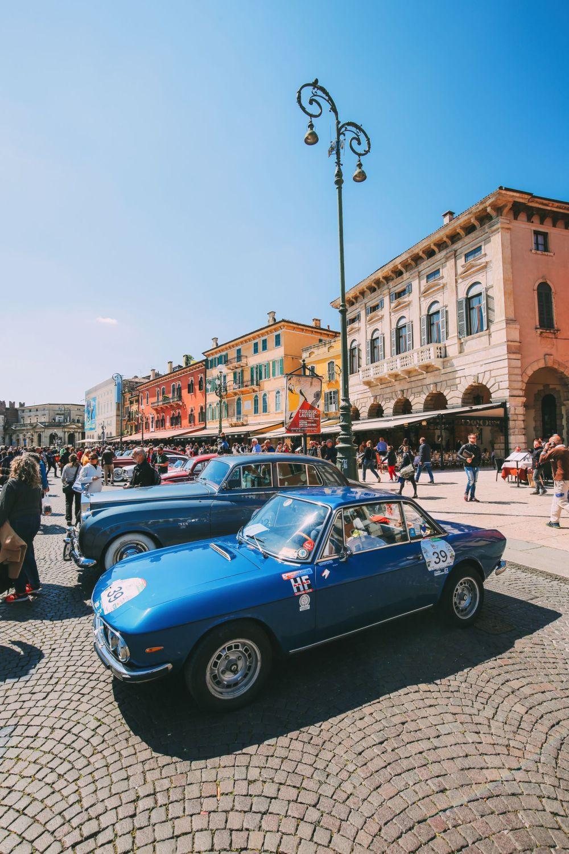 Piazza Bra And Arena di Verona... Italy (17)