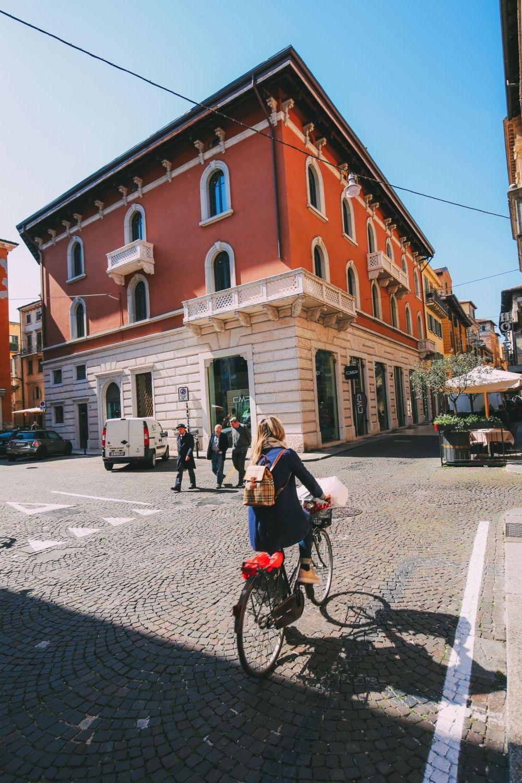 Piazza Bra And Arena di Verona... Italy (32)