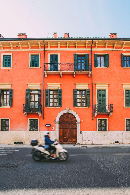 Piazza Bra And Arena di Verona... Italy (58)