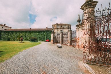 The Most Amazing Noble Villa And An Afternoon In Pizzighettone… In Lombardy, Italy (28)