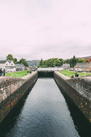 Whisky Drinking, Loch Rowing And Picnicking In The Scottish Highlands (14)