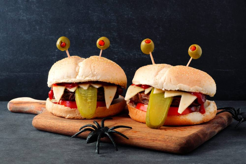11 Spooky and Easy Foods To Make For Halloween (7)