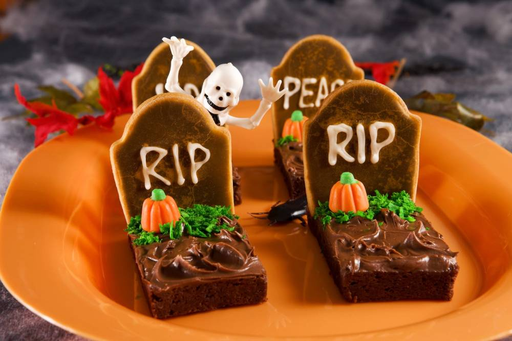 11 Spooky and Easy Foods To Make For Halloween (13)