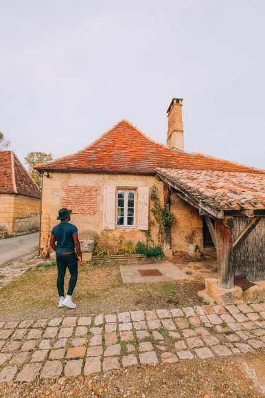 Here's How To Stay In A Castle In France (25)