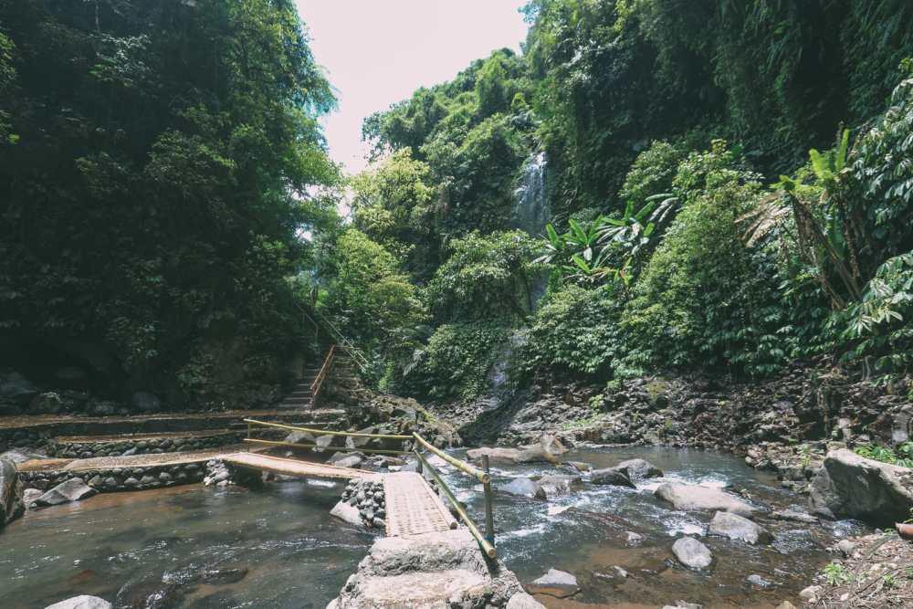 Bali Travel - The Beautiful Nungnung Waterfall And Ulun Danu Bratan Temple (17)