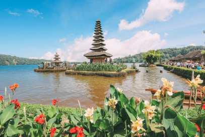 Bali Travel - The Beautiful Nungnung Waterfall And Ulun Danu Bratan Temple (33)