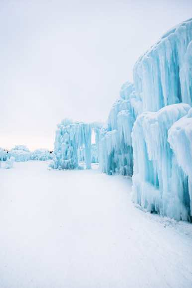 Ice Castle In Alberta, Canada (12)