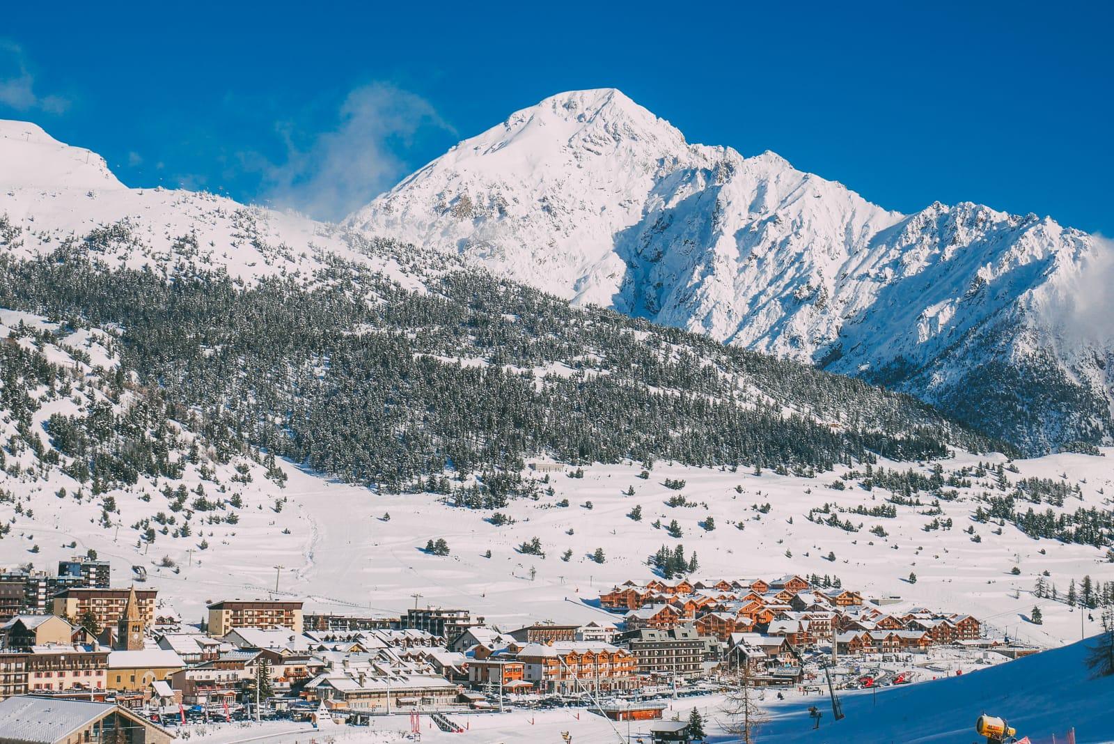 Skiing In Montgenevre, France (10)