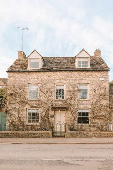 A Trip The Beautiful English Town Of Tetbury In The Cotswolds... (21)