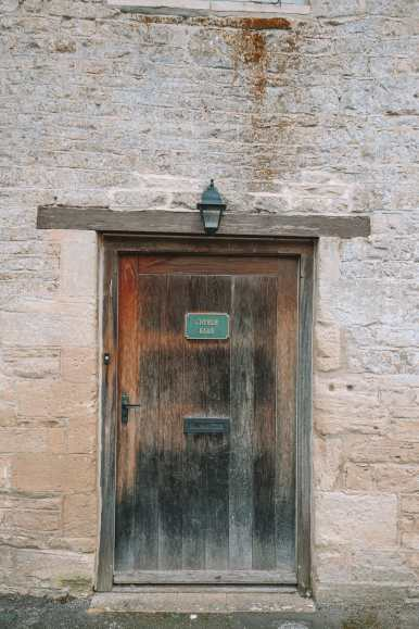 4 Villages And Towns You Have To Visit In The Cotswolds, England (17)