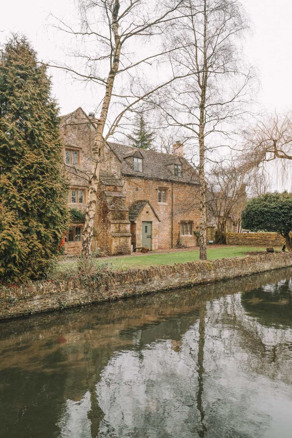 4 Villages And Towns You Have To Visit In The Cotswolds, England (21)