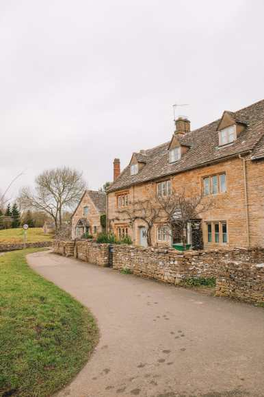 4 Villages And Towns You Have To Visit In The Cotswolds, England (32)