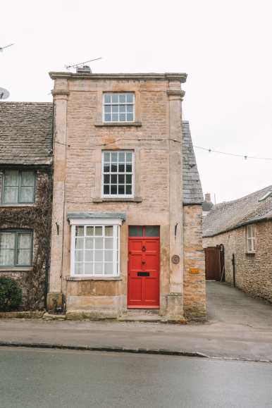 4 Villages And Towns You Have To Visit In The Cotswolds, England (74)