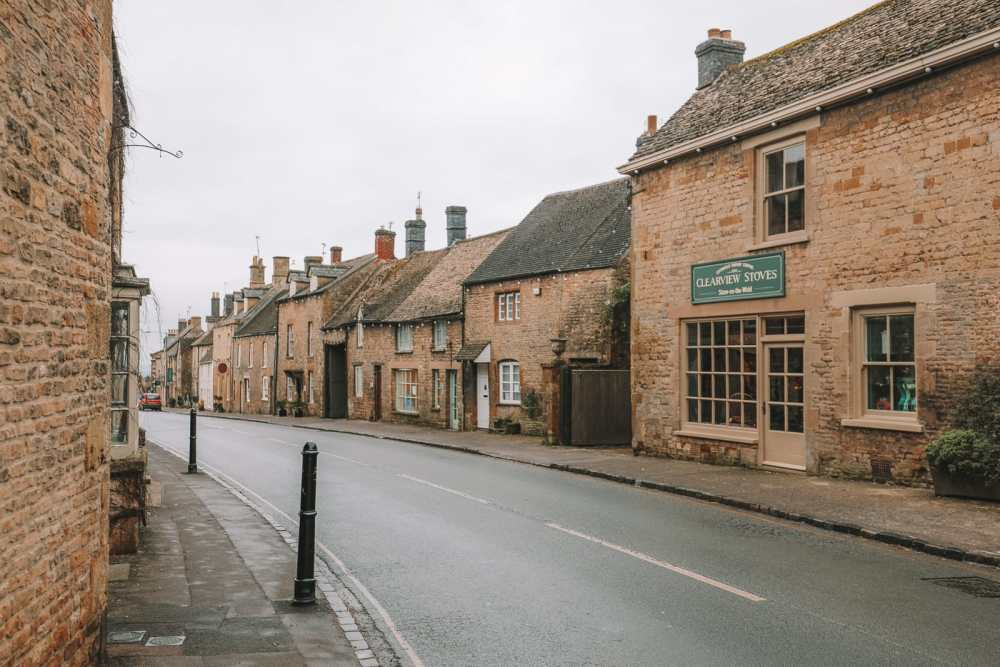 4 Villages And Towns You Have To Visit In The Cotswolds, England (76)