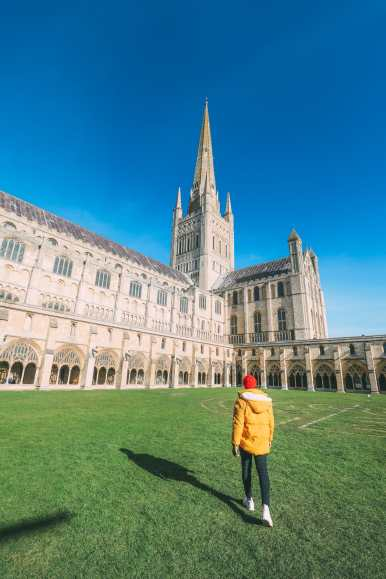 A Day In English Medieval City Of Norwich (13)