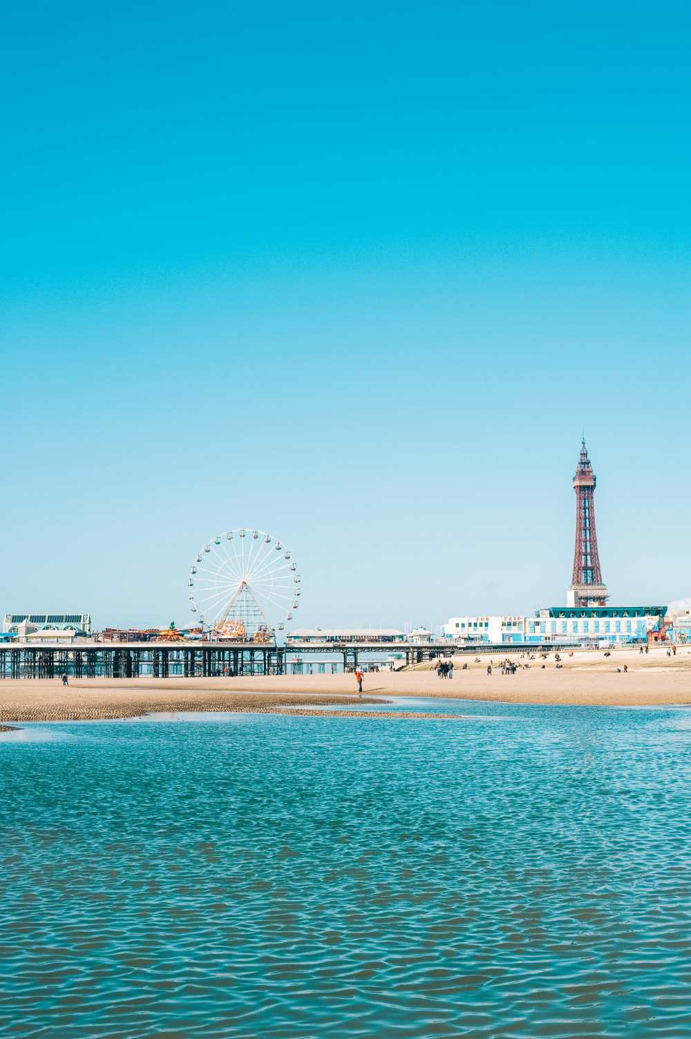 16 Places To Enjoy The Best Seaside Holidays In the UK (15)