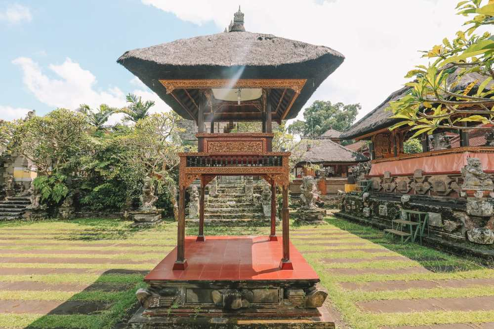 Bali Travel Diary - Ubud Palace, Uluwatu and Tanah Lot (1)