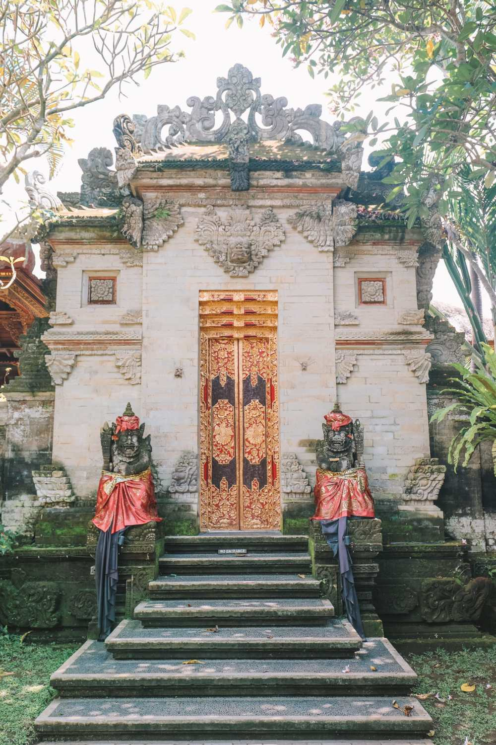 Bali Travel Diary - Ubud Palace, Uluwatu and Tanah Lot (4)