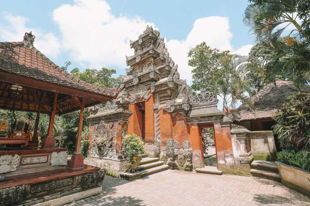 Bali Travel Diary - Ubud Palace, Uluwatu and Tanah Lot (5)