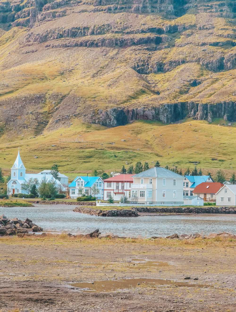 Best Towns In Iceland You Need To Visit (6)