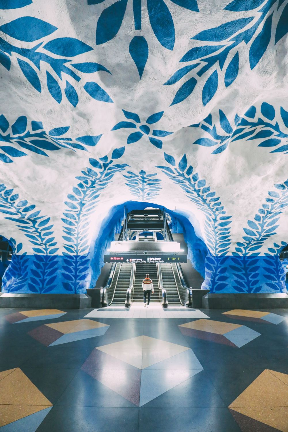 Best Stations Stockholm's Metro Art (11)