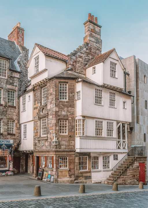 Best Things To Do In Edinburgh, Scotland (17)