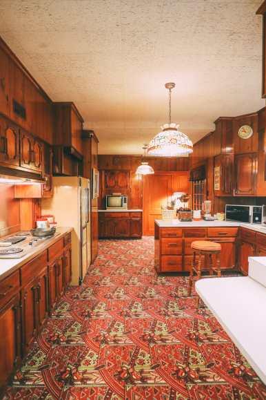Visiting Graceland - The Home Of Elvis Presley (16)