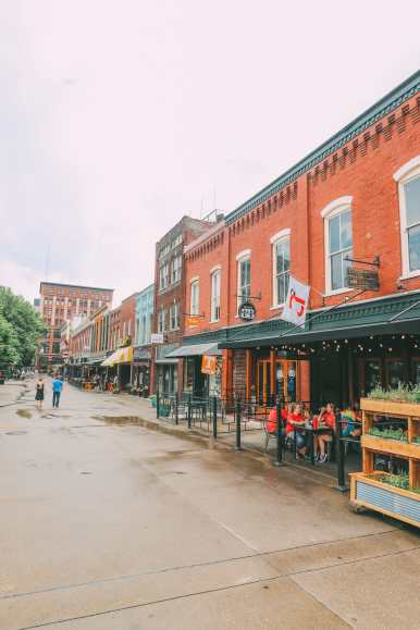 Things To See And Do In Knoxville, Tennessee In 24 Hours (17)