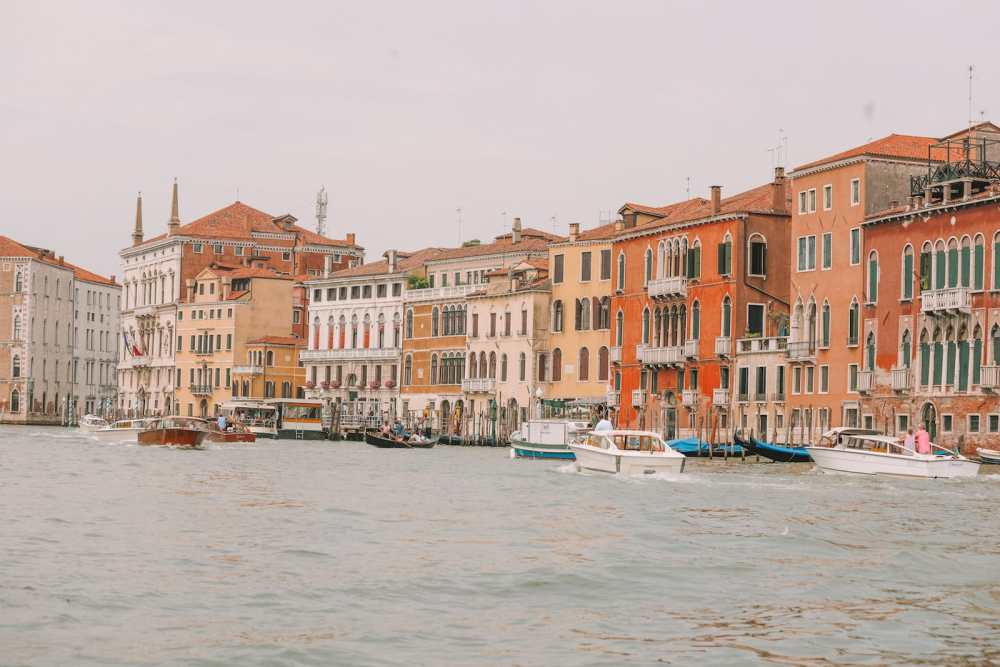 Photos And Postcards From Venice, Italy (15)