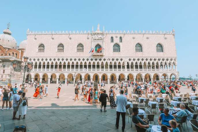 Photos And Postcards From Venice, Italy (10)