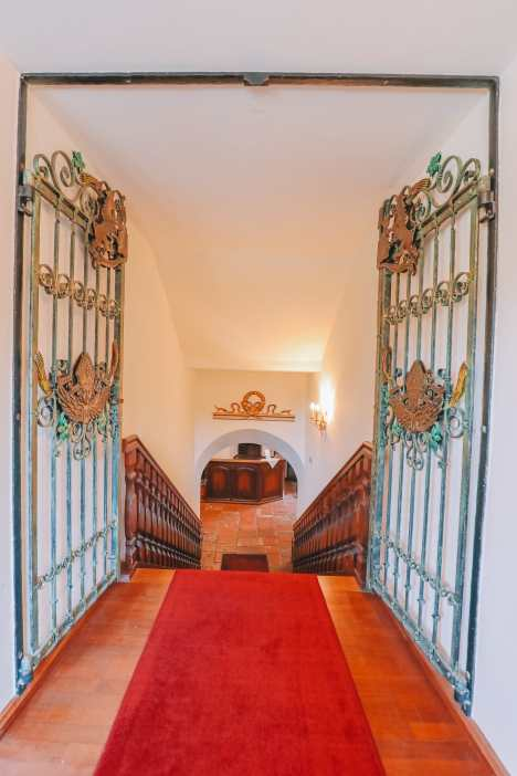 Burghausen Castle - The Longest Castle In The Entire World! (4)