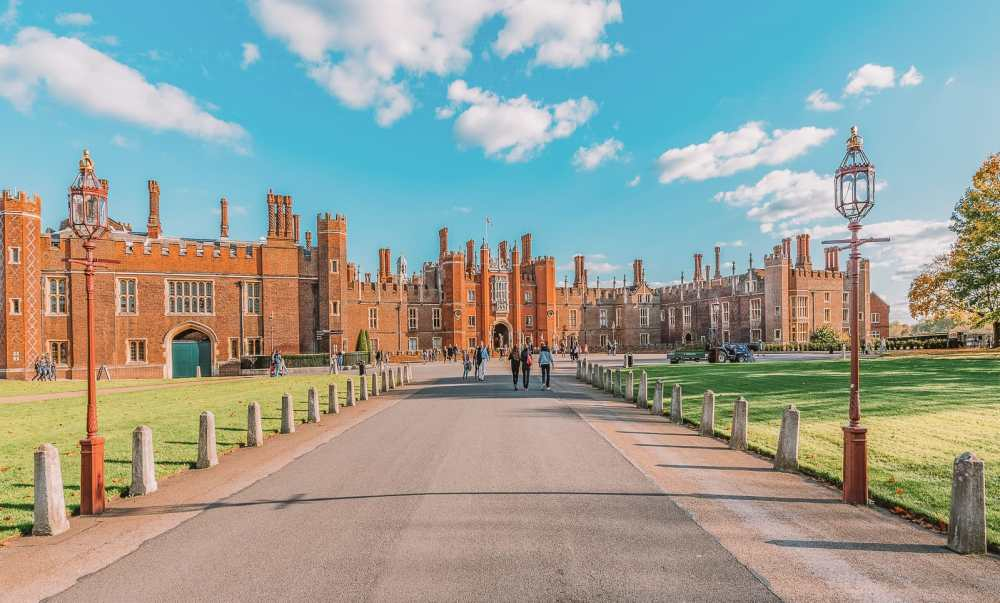 10 Beautiful Palaces In London You Have To Visit (2)