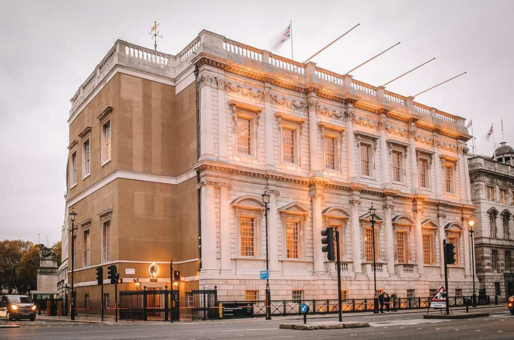 10 Beautiful Palaces In London You Have To Visit (3)